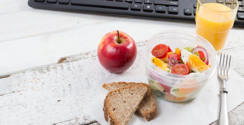 Comment prendre un repas rapide et sain au bureau ?