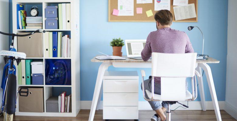 Le travail a domicile demande beaucoup de rigueur.
