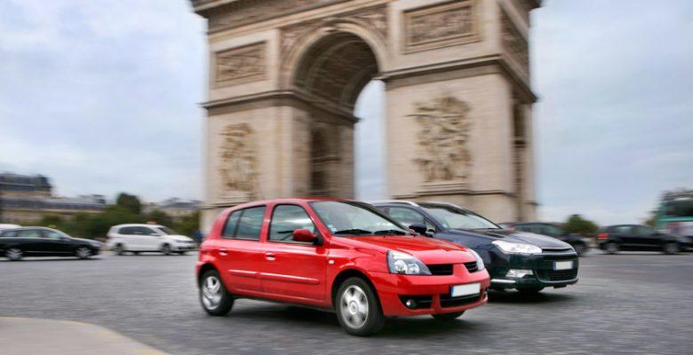 La circulation parisienne fonctionne avec la vignette pollution.