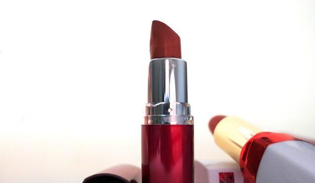 rouge à lèvres bureau